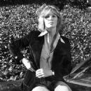 Linda Evans - 454 x 574