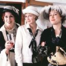 Joanna Lumley as Elinor Glyn, Kirsten Dunst as Marion Davies and Jennifer Tilly as Louella Parsons in Lions Gate's The Cat's Meow - 2002