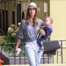 Jessica Alba came back from France to enjoy the 4th of July with her family