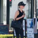 Charlize Theron in Tights – Heads at SoulCycle in West Hollywood - 454 x 681