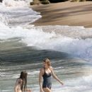 Taylor Swift Wearing Swimsuit At The Beach In Maui