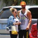 Hilary Duff in Tights with Matthew Koma – Head to the gym in Studio City - 454 x 682