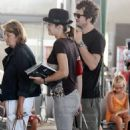Marion Cotillard And Guillaume Canet At Figari Airport In France 07-26-2010 - 454 x 746