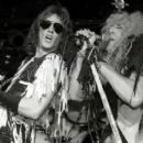 Twisted Sister play Metal Club l'Amour 1984 - 454 x 255