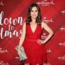 Kellie Martin – 'Christmas at Holly Lodge' Screening in LA - 454 x 697