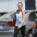 Margot Robbie heads to a gym in Los Angeles - 454 x 665