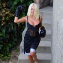 Courtney Stodden – Takes shots at her ex Doug Hutchinson punching shirt in Beverly Hills - 454 x 569