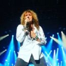 Whitesnake & Def Leppard live at SSE Arena in Belfast, Northern Ireland on December 7, 2015 - 454 x 302