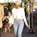 Amber Rose and Kat Von D have lunch at Urth Caffe in West Hollywood, California - February 10, 2014 - 454 x 643
