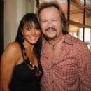 Travis Tritt and Theresa Nelson - 454 x 322