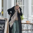 Kate Moss out in North London - 454 x 651