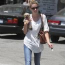 Amber Heard - Visits A Nail Salon With Her Dog Pistol In LA (16.08.10)