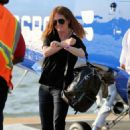Julianne Moore – Arrives at the 30th Street Heliport from the Hampton in NYC - 454 x 681
