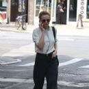 Carey Mulligan out in New York - 454 x 698