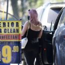 Ariel Winter – Car wash candids in Los Angeles