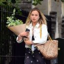 Amelia Windsor – Pictured with bouquet of flowers while out in London - 454 x 503