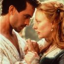 Cate Blanchett and Joseph Fiennes in Elizabeth (1998)
