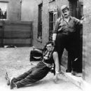 Neighbors - Buster Keaton - 454 x 362