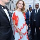 Natalia Vodianova – Arriving at Vogue Dinner Party in Paris - 454 x 681