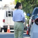 Selena Gomez – Visit a friend in Los Angeles
