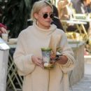 Hilary Duff at Melrose Place in West Hollywood - 454 x 681