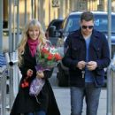 Luisana Lopilato and Michael Buble: Vancouver airport