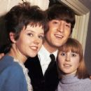 John Lennon - 454 x 433