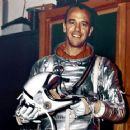 Alan Shepard - 454 x 363