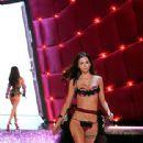 Victoria Secret - 312 x 500