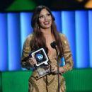 Cynthia Olavarría- 'Premios Tu Mundo' Awards 2015 - 454 x 599