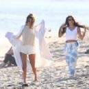 Addison Rae, Kendall Jenner and Kourtney Kardashian – Photoshoot on the beach in Malibu