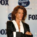 Joe Perry poses in the press room during the American Idol Season 6 Finale held at the Kodak Theatre on May 23, 2007 in Hollywood, California - 400 x 594