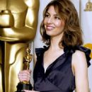 Sofia Coppola At The 76th Annual Academy Awards -Press Room (2004) - 454 x 627