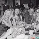 Tina Sinatra - 400 x 336