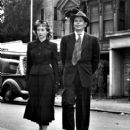 Evelyn Keyes and Glenn Ford - 406 x 504