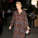 Kate Hudson in Long Dress – Leaves Her Hotel in New York