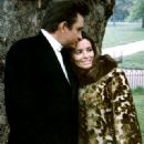 Johnny Cash and June Carter Cash - 320 x 400