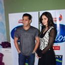 SALMAN KHAN AND KATRINA KAIF ON THE SETS OF INDIAN IDOL 6