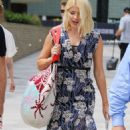 Holly Willoughby at ITV Studios in London - 454 x 845