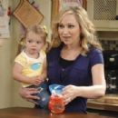 Good Luck Charlie (2010) - 454 x 303