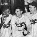 Jackie Robinson, Preacher Roe & Gil Hodges - 454 x 329