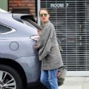 Natalie Portman – Out in Los Angeles - 454 x 578