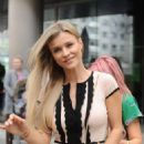 Joanna Krupa Out in Warsaw - 454 x 682