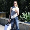 Jaime King out shopping in West Hollywood - 454 x 659