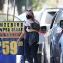 Ariel Winter hits up the car wash in Los Angeles