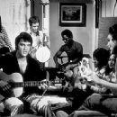 Elvis Presley, Mary Tyler Moore - 450 x 334