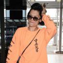 Jessie J at Narita International Airport in Tokyo - 454 x 673