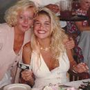 Bobbie Brown at her bridal shower - 373 x 463