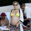 Kate Hudson in Yellow Bikini at the pool in Ojai - 454 x 641