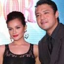 Mark Anthony Fernandez and Yasmien Kurdi